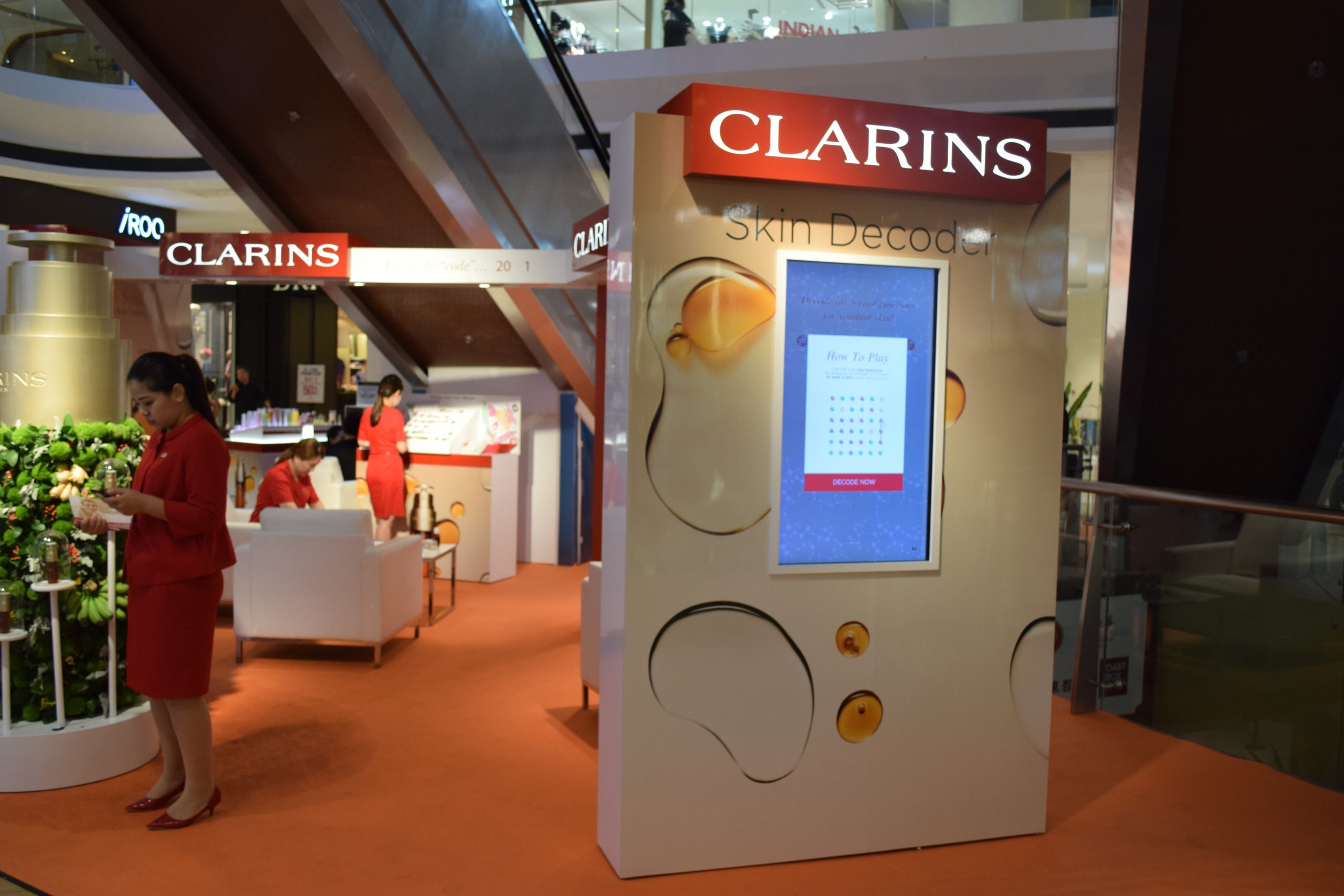 The clarins digital game (O2O) in a shopping mall